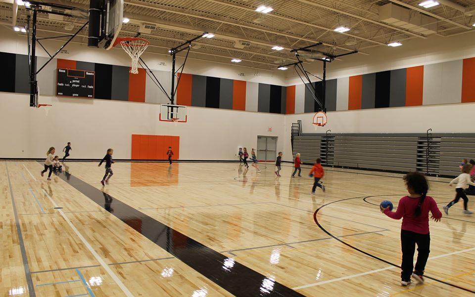 Students playing in Parkview gym